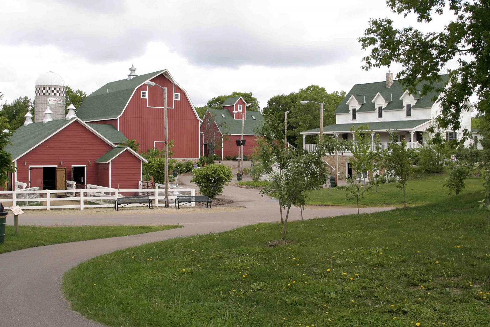 Minnesota Zoo, Wells Fargo Family Farm