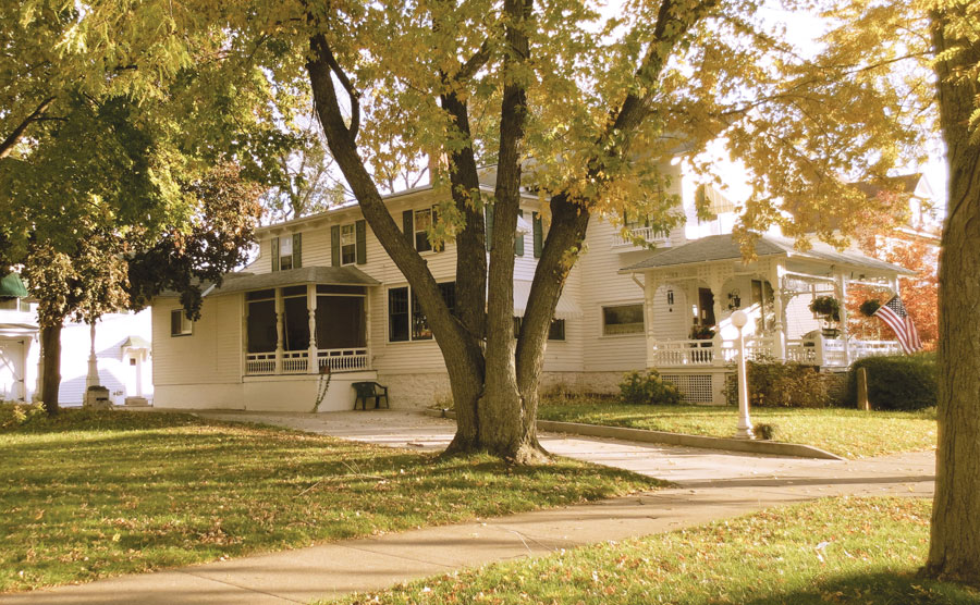 Carriage House, bed and breakfast, winona