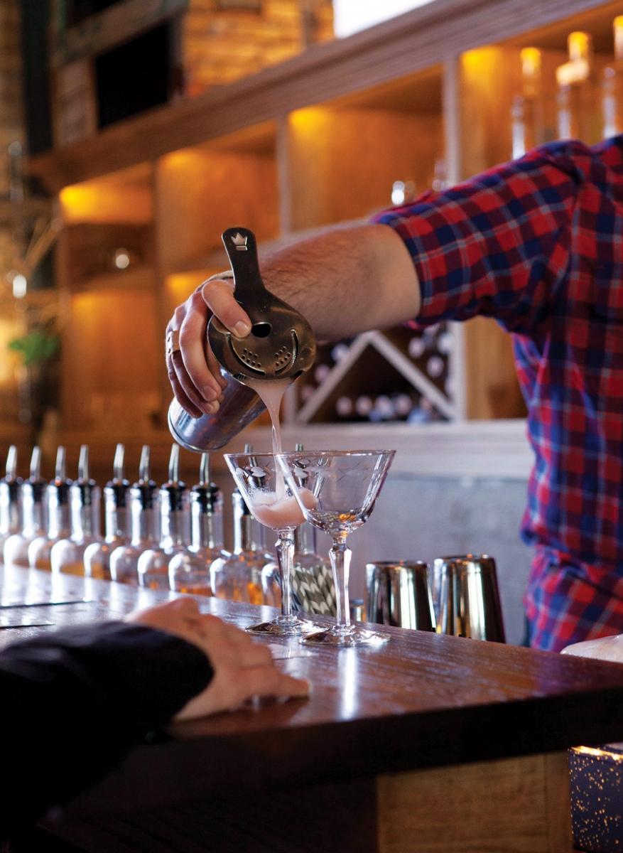 vikre distillery, duluth, minnesota, beer, drinks, winter