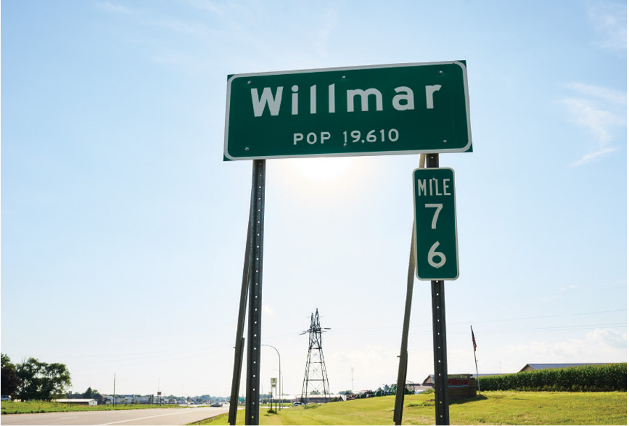 The population sign for Willmar, Minnesota.