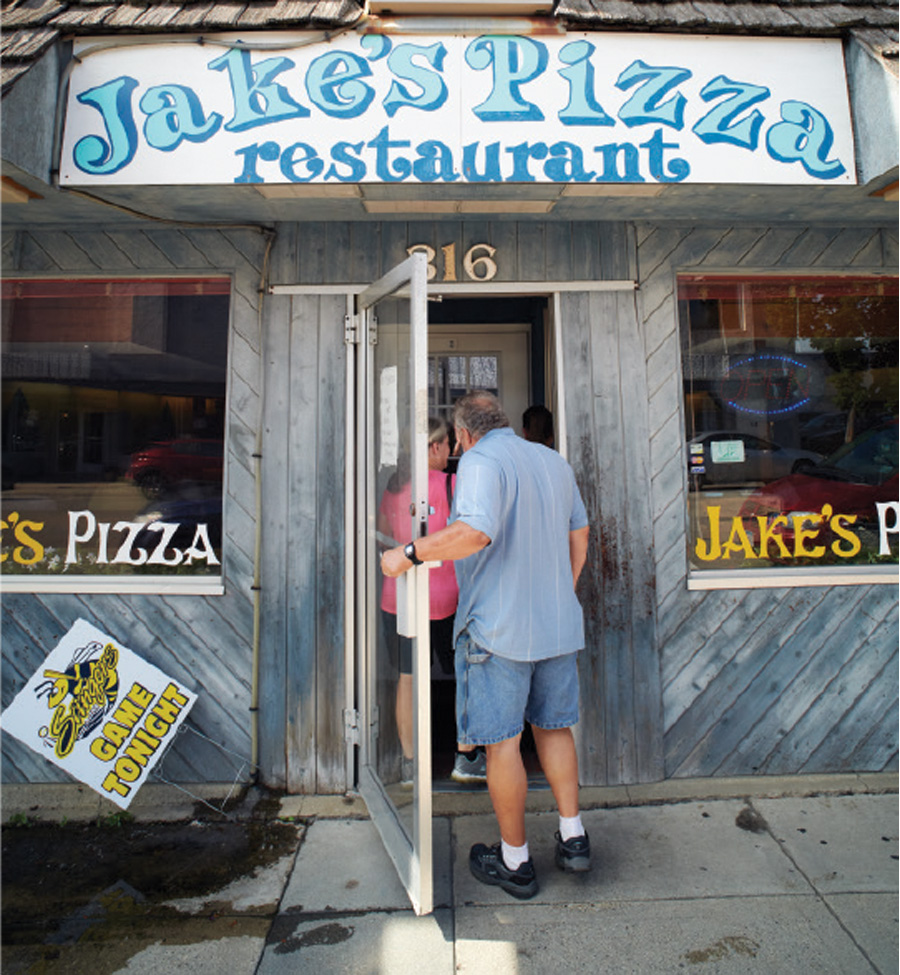 The exterior of Jake's Pizza in Willmar, Minnesota.