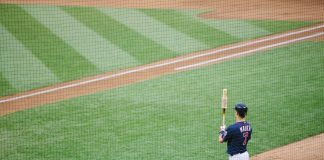 Photo of Joe Mauer on the baseball field