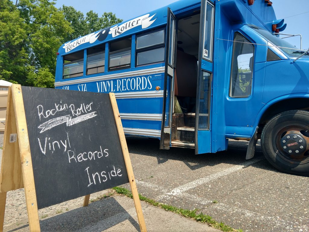 Image of SolSta Vinyl Truck