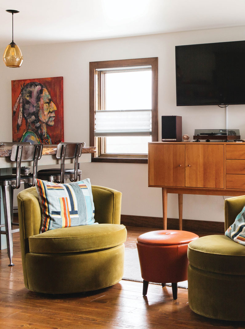 The Mayhew's tastefully furnished rooms embrace modern comforts and art
