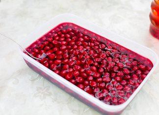 Cherry Jell-O with cherries