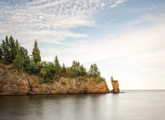 "The Tettegouche ""Sea Stack"" in its picturesque heyday"