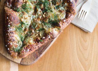Pear pizza from Boludo