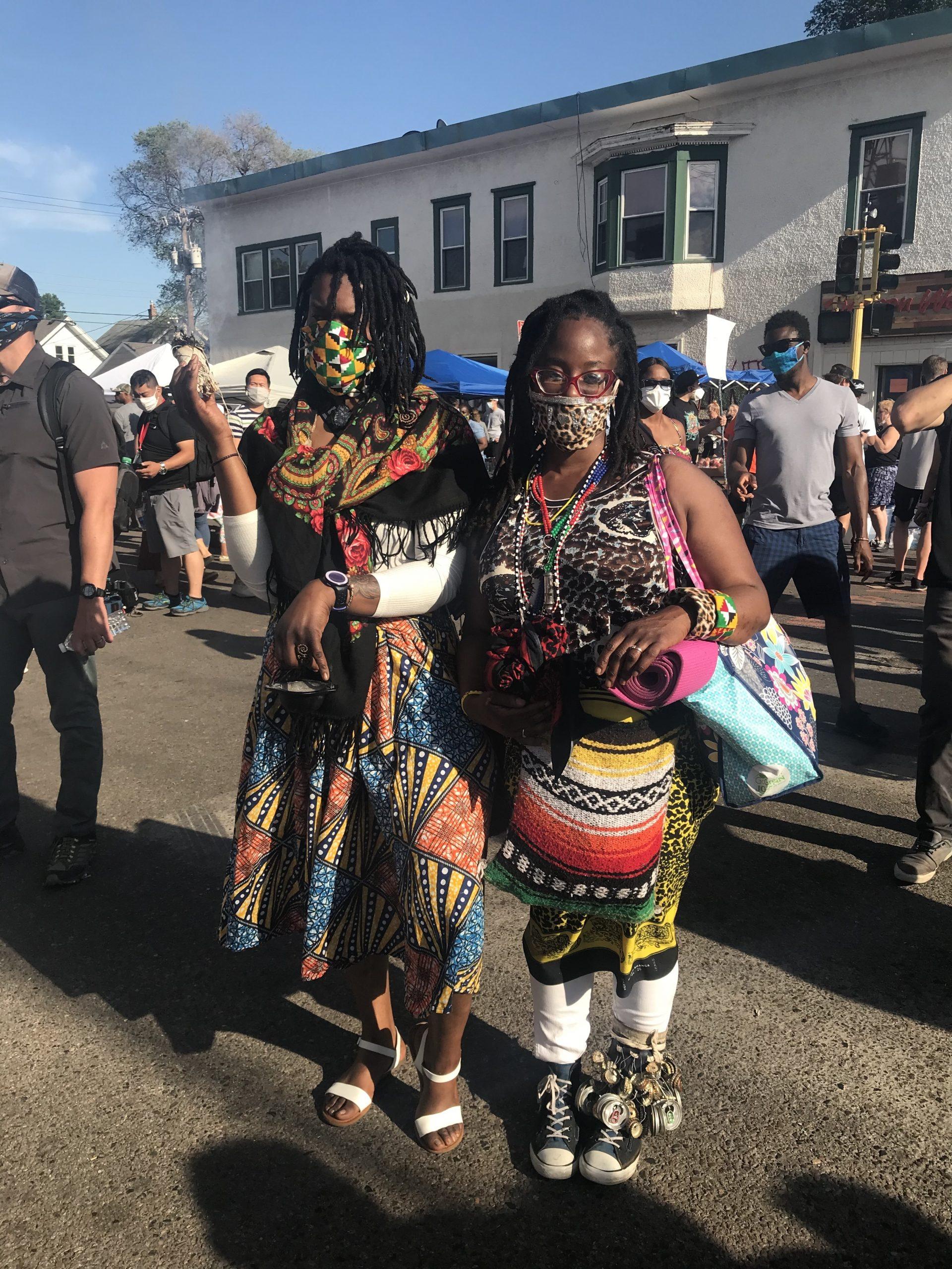 Gogo Nyazzendara (right)